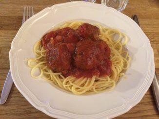 Torbjörns högrevsköttbullar i tomatsås