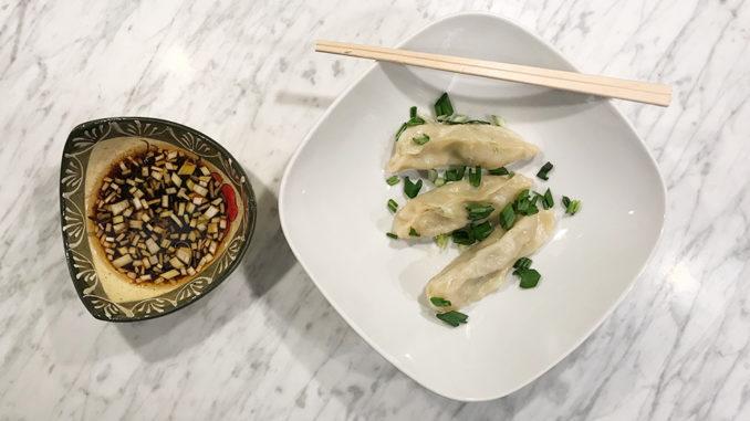 Kinesiska dumplings med kyckling och svamp