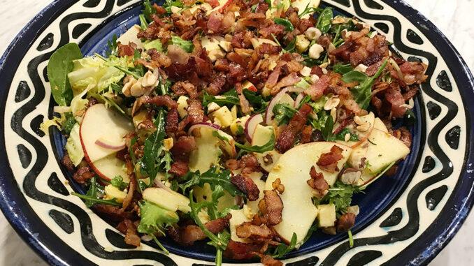 Ost & äppelsallad med bacon