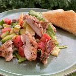 Sommarsallad med grillad kyckling -lättlagat och fräscht